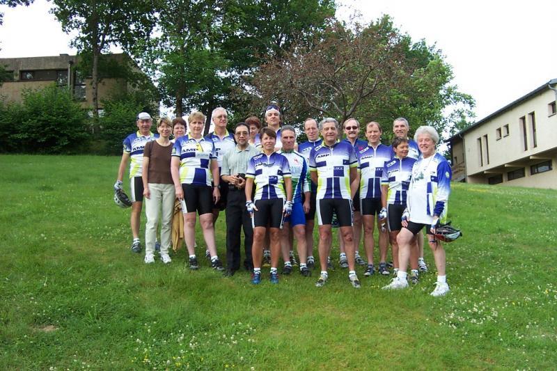 Rando cyclo Bull 2002 - L'équipe parisienne à Confolant